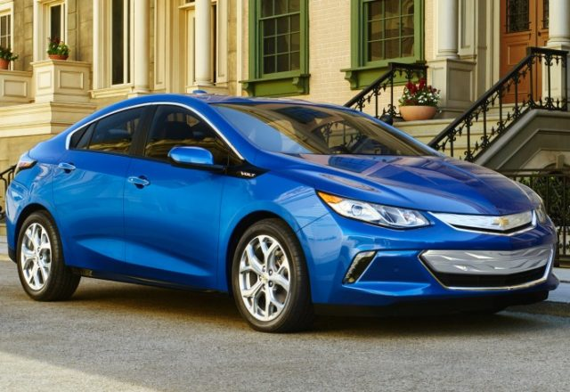 chevrolet-volt-procarsreviews-com-11